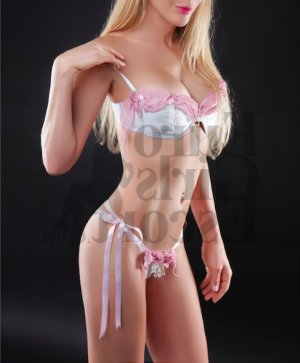 Anelie escort girls in Northbrook IL and happy ending massage
