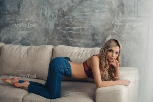Alex-anne escort girl