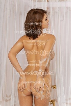 Ghislene nuru massage & escort girl